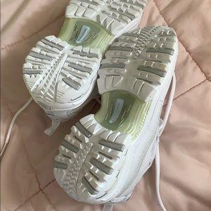 Skechers Shoes - Vintage Skechers Sport Shoes